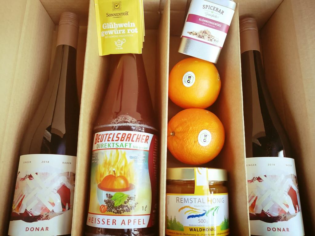 Produktfoto - Nikolaus Geschenk-Idee Glühwein@home Paket 22.90 Euro aus der Linie Geschenk von Singer x Bader aus Korb, Stetten